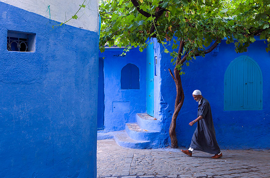 blue-streets-of-chefchaouen-morocco-2