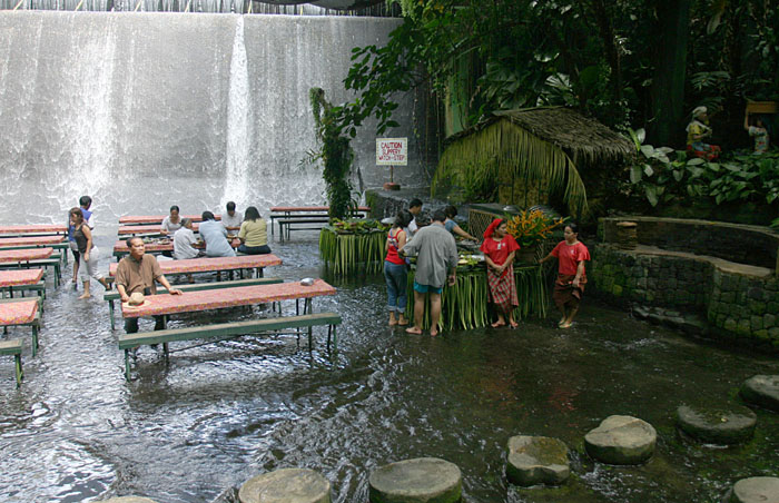 Waterfalls-Restaurant-Philippines-7