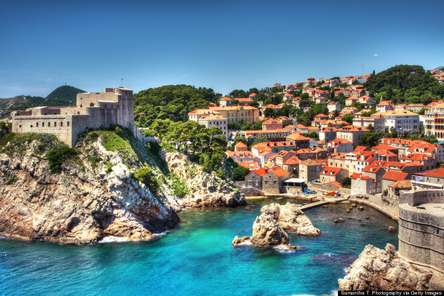 dubrovnik horvat The sights alone -- breathtaking views of the Adriatic Sea, ancient city walls, stunning Baroque buildings -- will have you dazzled. Relax on a beach, explore the historic Old City,