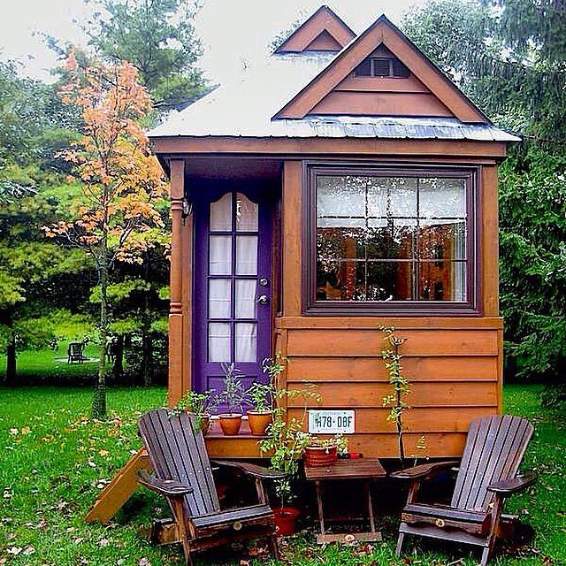 only-one-way-describe-tiny-home-its-purple-door