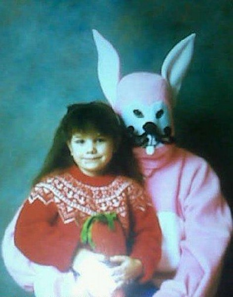 toothwhisker-wtf-creepyeaster-bunny