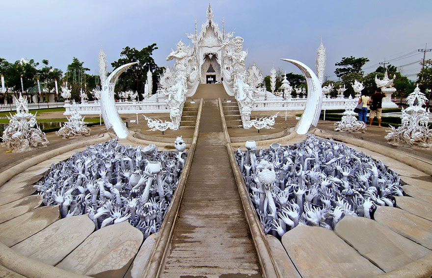 white-temple-thailand-12