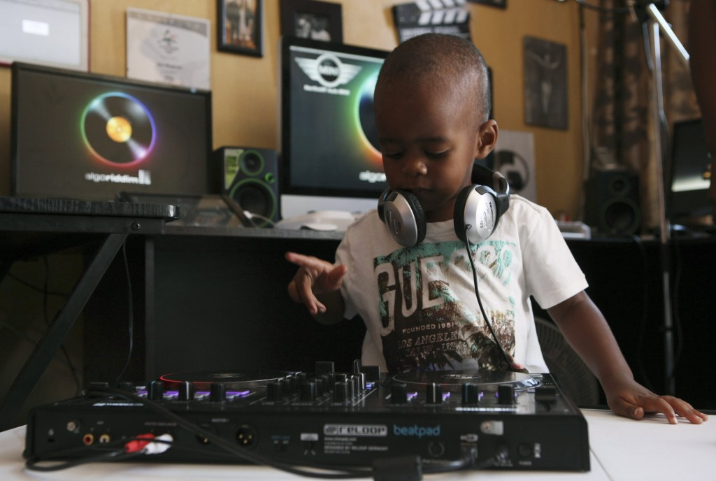 2-year-old-DJ-1024x688