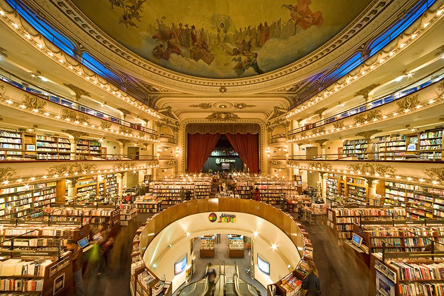 item13.rendition.slideshowHorizontal.most-beautiful-bookstores-around-the-world-14