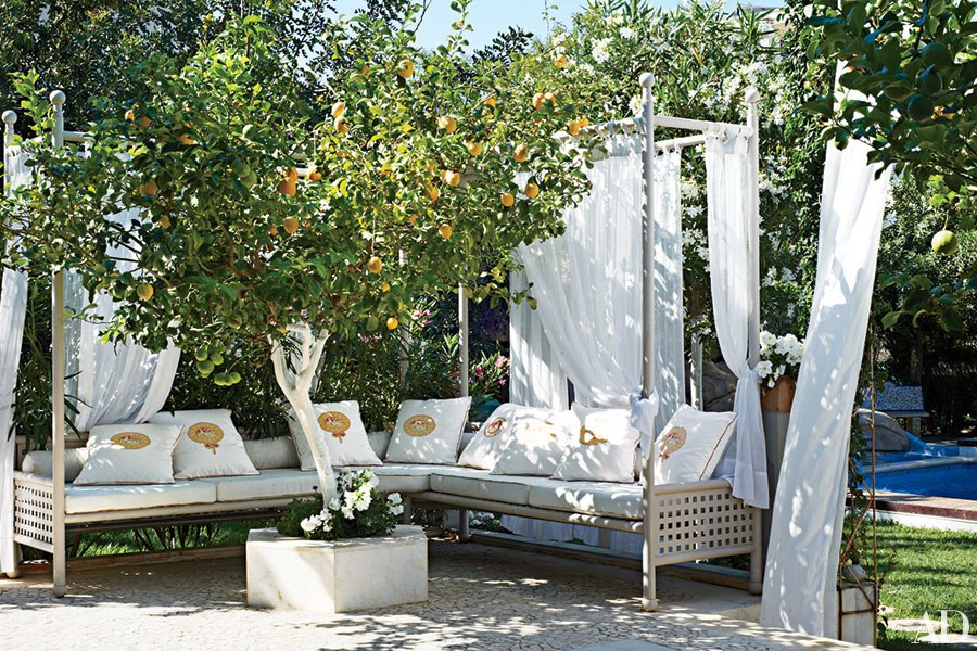 item2.rendition.slideshowHorizontal.outdoor-entertaining-seating-ideas-03