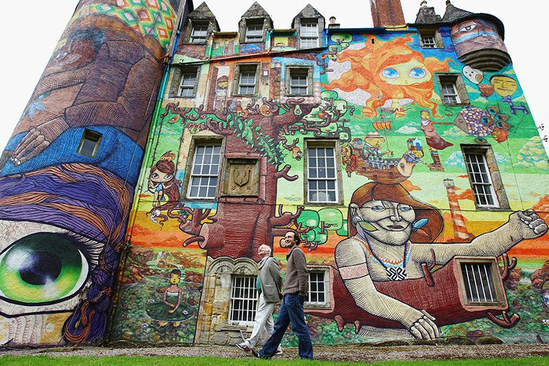 kelburn-castle-graffiti-visitors