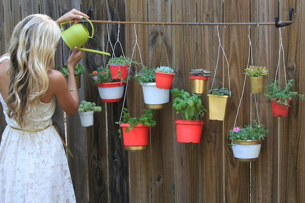 21-Mesmerizing-DIY-Projects-That-Will-Beautify-Your-Garden-This-Summer-usefuldiyprojects.com-backyard-11