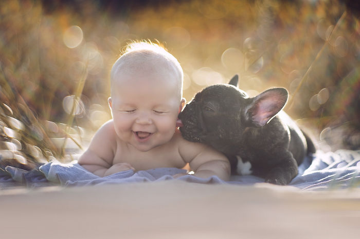 kids-with-dogs-109__700