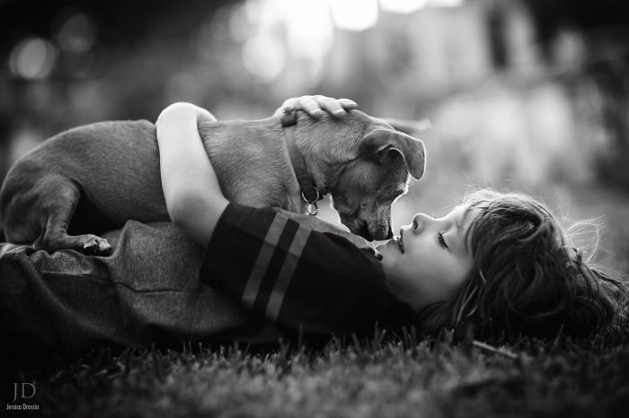 kids-with-dogs-112__700