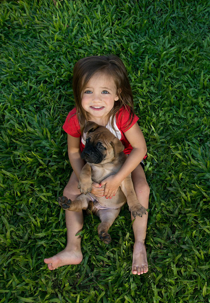 kids-with-dogs-21__700
