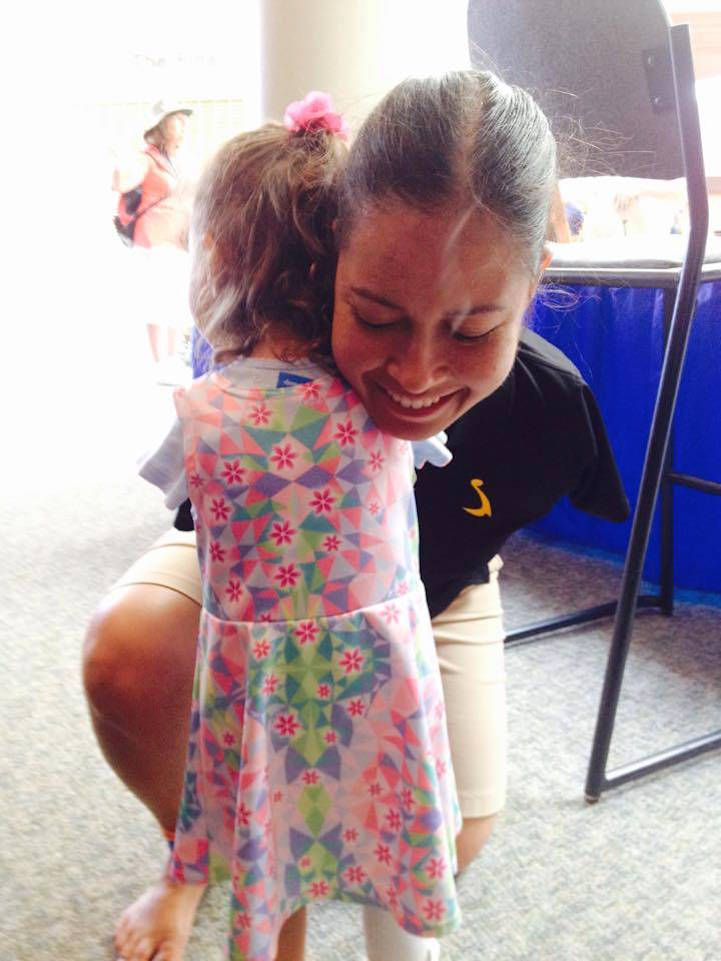 "An inspiring photo of RE Pranke, a 3-year-old girl who was born without arms, and Jessica Cox, the first-ever armless pilot, is proving to the world that you don't need your upper limbs to go in for a hug.  ""It was amazing,"" mom Karlyn Pranke of St. Paul, Minnesota, told ABC News. ""I'm just grateful that we had the opportunity to show everyone that it doesn't matter if you have arms or not, that you can do the same things as everyone else -- you just may have to do it a little differently.  ""She [RE] loves hugs."" Pranke said she knew she wanted her daughter to meet Cox, a motivational speaker born without arms, since finding out during her 20th week of pregnancy that ""RE"" (short for Ruth Evelyn), would be born without arms as well.  ""I started Googling stuff and coming across Jessica,"" Pranke said. ""Ever since, it's been very inspirational to me that she has come as far as she has to overcome her disability -- and my daughter has always said, especially lately, 'I want arms, I want arms.'""  ""I wanted her to see she doesn't have to have arms,"" she added. ""I wanted her to see all the things Jessica can do.""  After a few exchanges on Facebook, Pranke took a six-hour drive with RE to attend the July 24 premiere of ""Right Footed,"" a documentary about Cox's journey as a public speaker, a pilot, a third-degree black belt, and an advocate for people with disabilities."