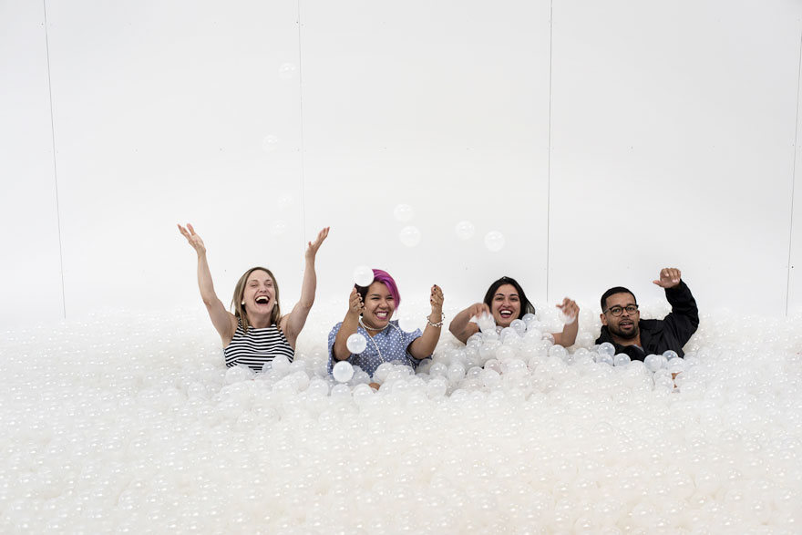 indoor-ball-pit-bubble-ocean-the-beach-snarkitecture-national-building-museum-36