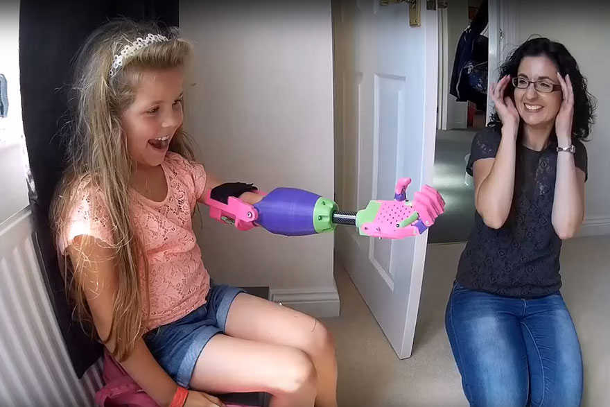 3d-printed-prosthetic-arm-stephen-davies-enable-isabella-7