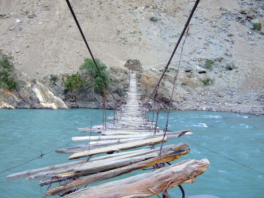 rope_bridge_Astore_Valley_pakistan