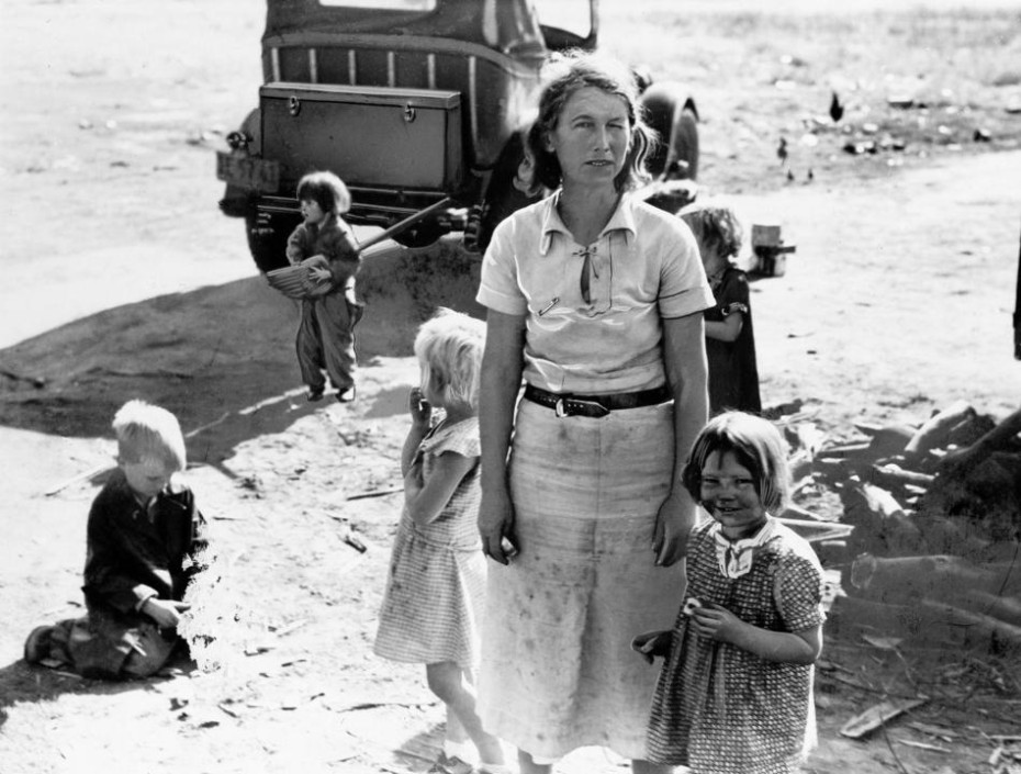 An unidentified mother of five children from Oklahoma is shown on May 18, 1937 in California near Fresno where they now live as migratory farm workers as a result of the Dust Bowl.  (AP Photo)