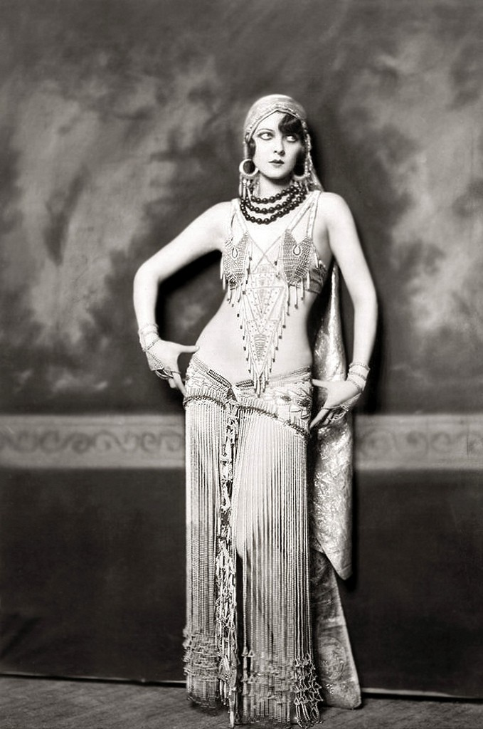 Ziegfeld Model - Non-Risque - 1920s - by Alfred Cheney Johnston. Restored by Nick & jane. Enjoy!