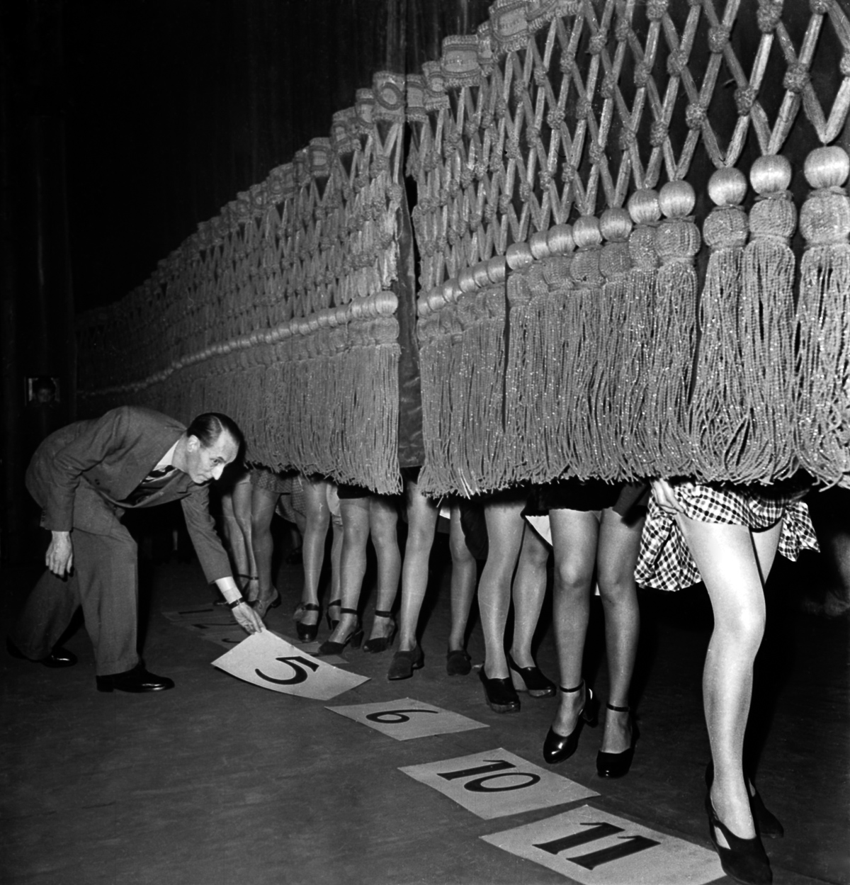 Contest for the most beautiful legs, Paris, december 1946. (Photo by AGIP/RDA/Getty Images)
