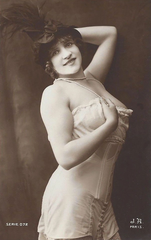 vintage-women-beauty-1900-1910-75__605