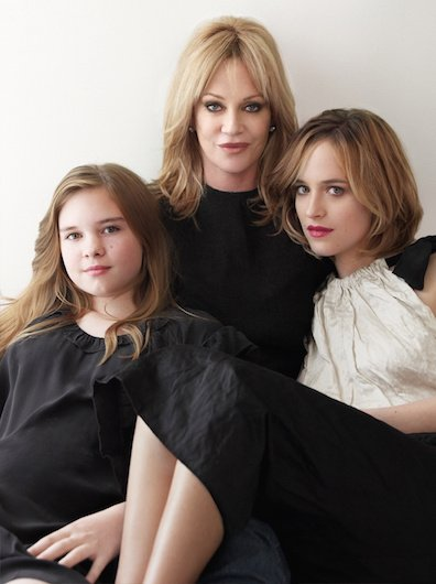 53-25966-dakota-johnson-melanie-griffith-1430343866