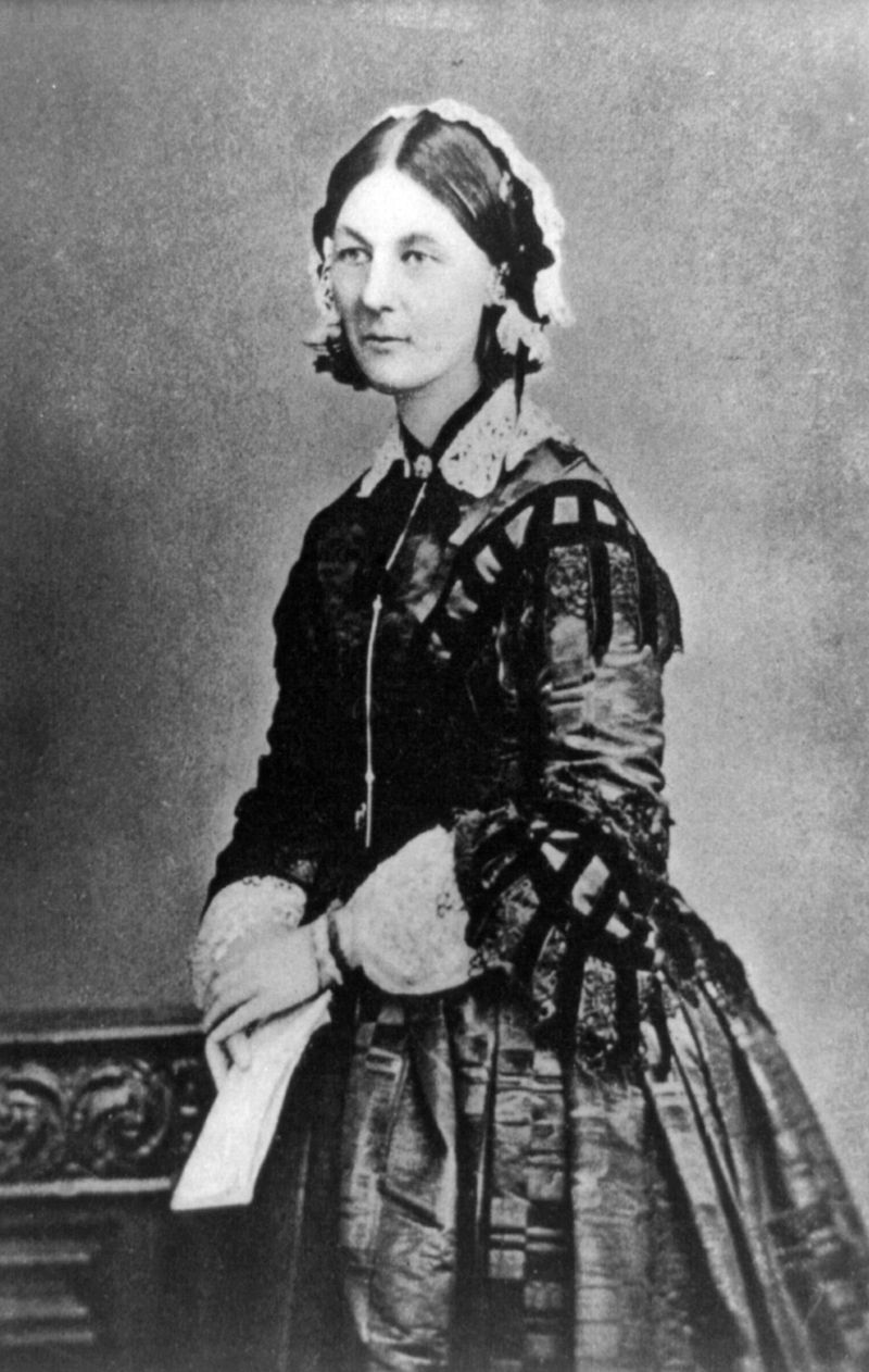 800px-Florence_Nightingale_1920_reproduction