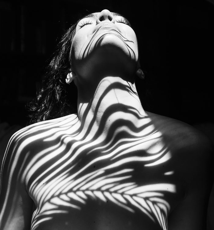 black-and-white-shadow-photography-emilio-jimenez-9-576bc8ebf3008__700