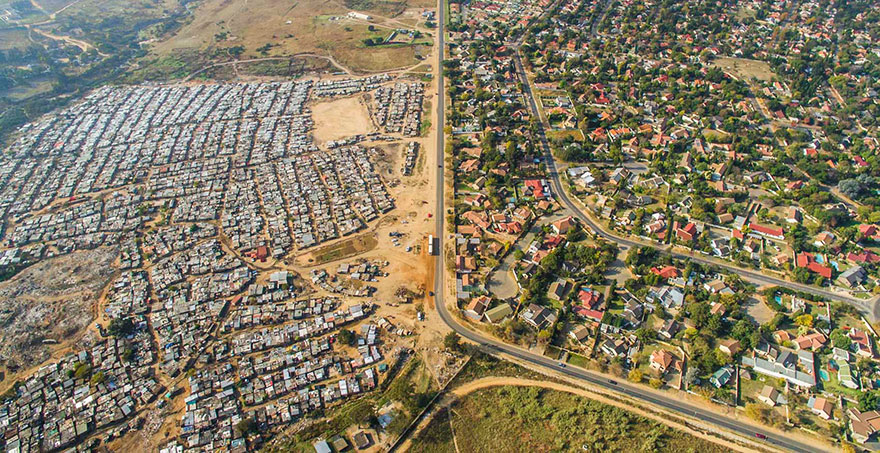 unequal-scenes-drone-photography-inequality-south-africa-johnny-miller-13