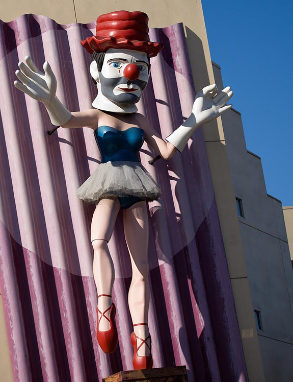 Disturbing Ballerina Man (Los Angeles, CA, USA)
