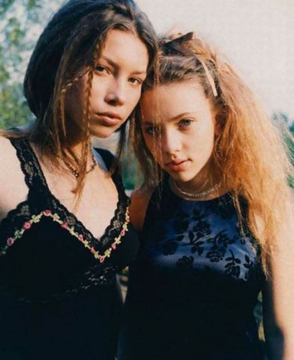 16-year-old-jessica-biel-and-14-year-old-scarlett-johansson