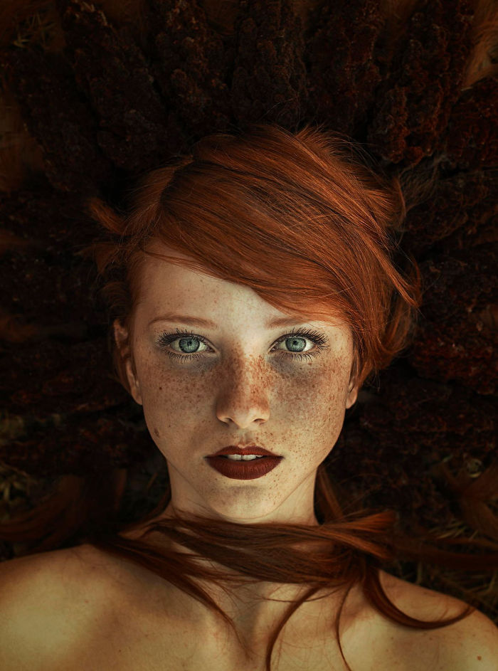freckles-redheads-beautiful-portrait-photography-40-5835663466579__700