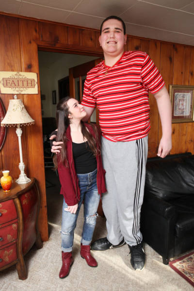 here_is_the_tallest_teen_in_the_world_640_11