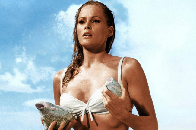 1962-ursula-andress-as-honey-ryder