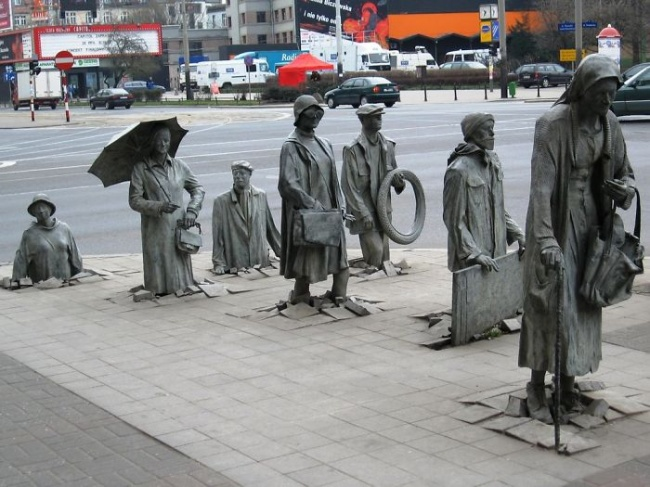 anonymous-pedestrians-wroclaw-poland
