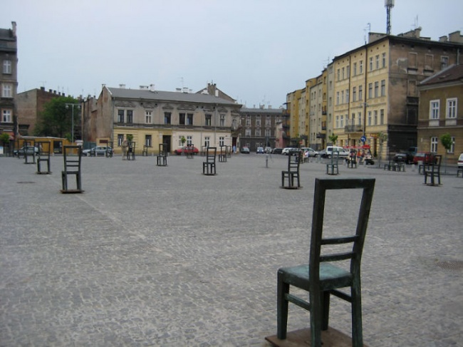 chair-for-1000-jews-krakow-poland