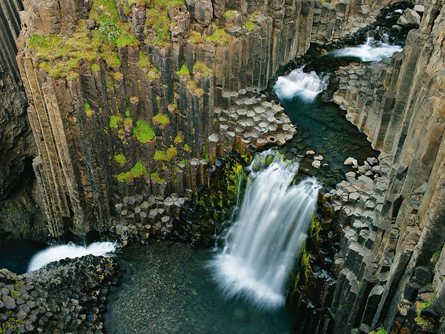 iceland-nature-travel-photography-36-5863c3b6856d3__880